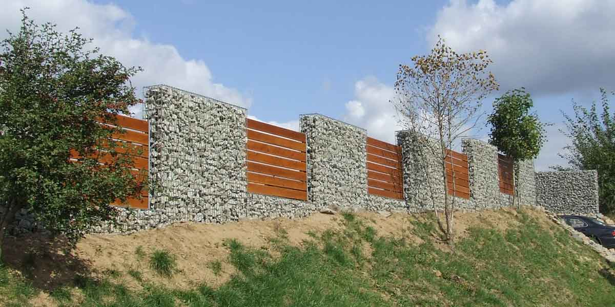 Gard gabioane cu insertii panouri