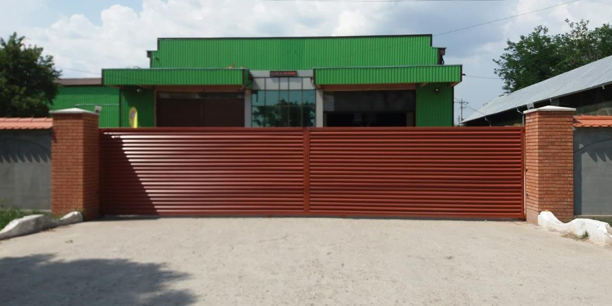 Poarta culisanta automata de 10m lungime - Furculesti, Teleorman